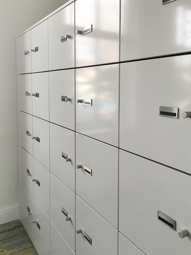 Lockers with aluminium knobs and name tabs
